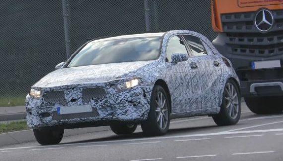 2020 Mercedes-Benz GLA front