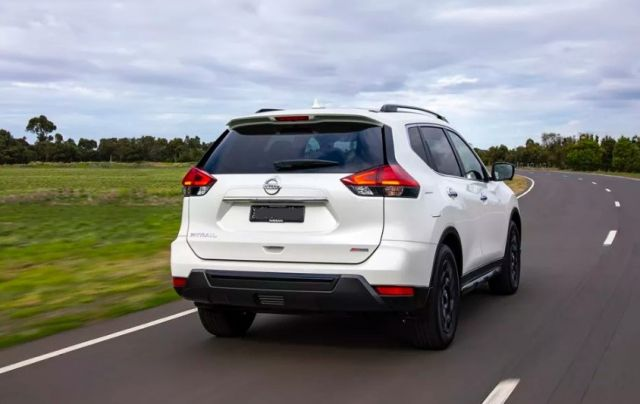 2020 Nissan X-Trail rear