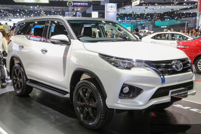 2020 Toyota Fortuner Facelift And Price >> 2020 Toyota Fortuner First Look Facelift Engine Release Date