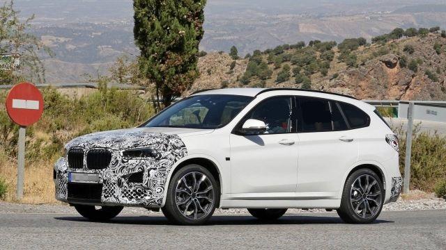 2020 BMW X1 side