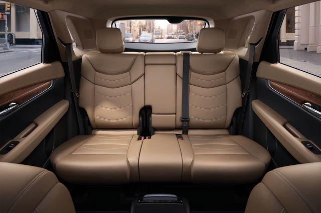 2020 Cadillac XT7 seats