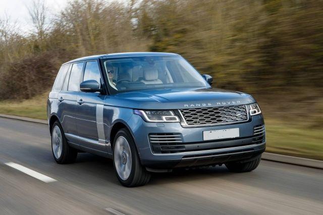 2020 Range Rover Vogue front