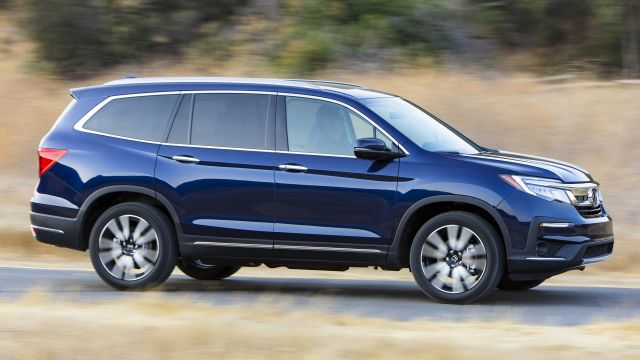 2021 Honda Pilot side view