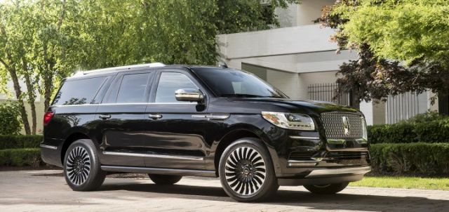 2020 Lincoln Navigator Black Label side