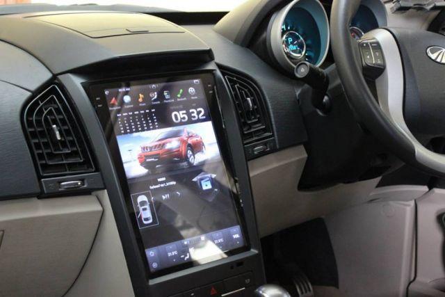 2020 Mahindra XUV500 interior