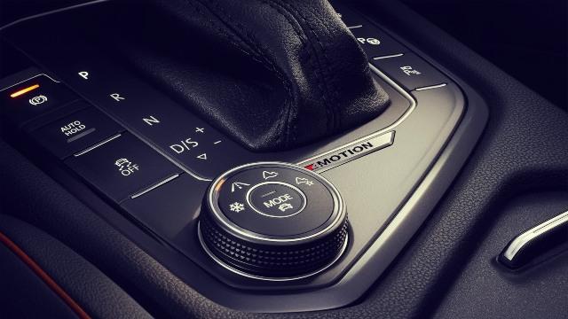 2020 VW Tiguan R Line interior