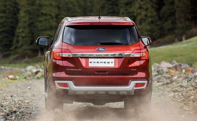 2021 Ford Everest rear