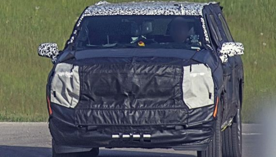 2021 Chevy Suburban spy shots