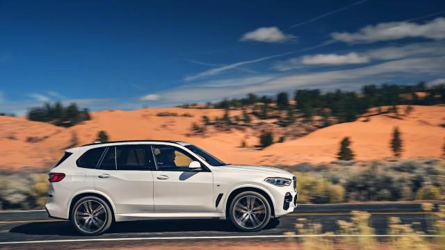 2021 BMW X5 side
