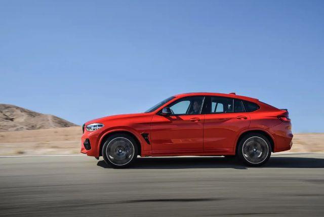 2021 BMW X4 side