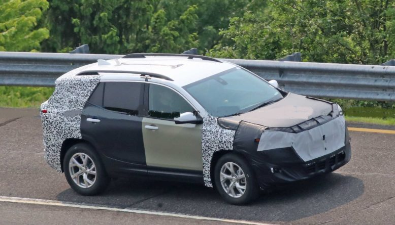 2021 GMC Terrain side