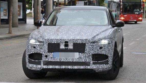 2021 Jaguar F-Pace spy photo