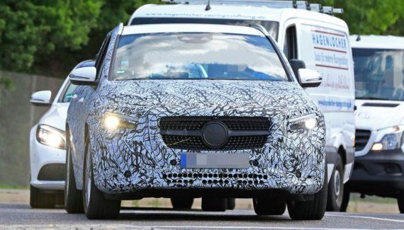 2021 Mercedes GLA front