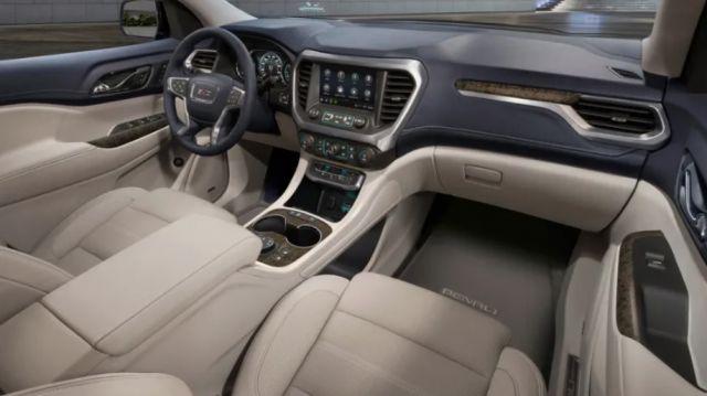 2021 GMC Acadia interior