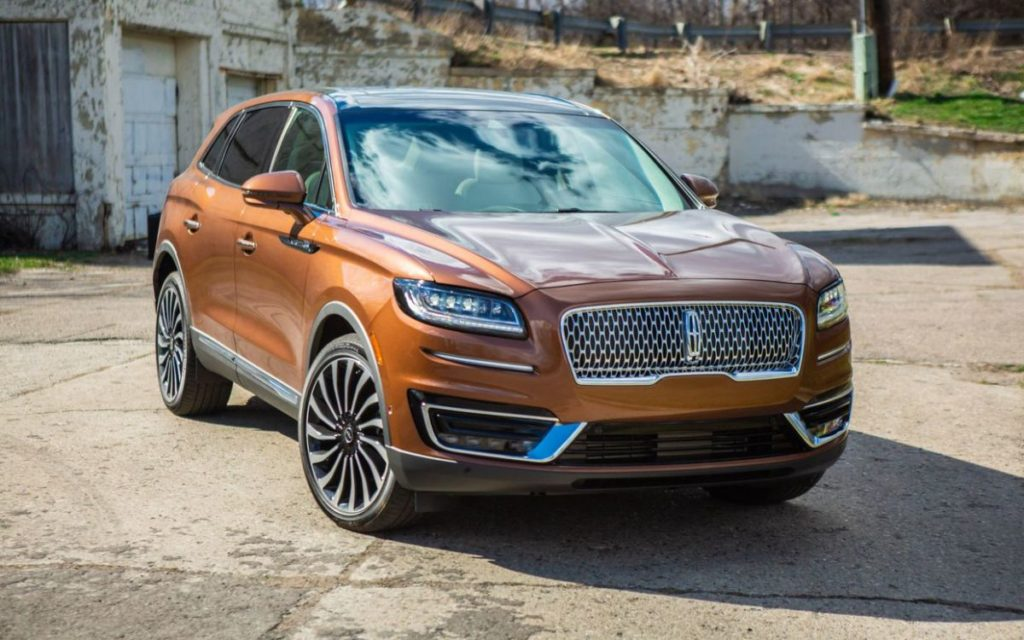 2021 Lincoln Nautilus front