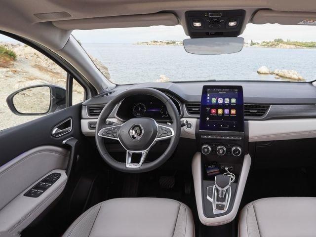 2021 Renault Captur cabin