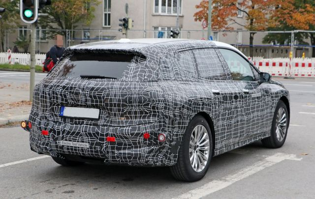 2021 BMW iX5 rear
