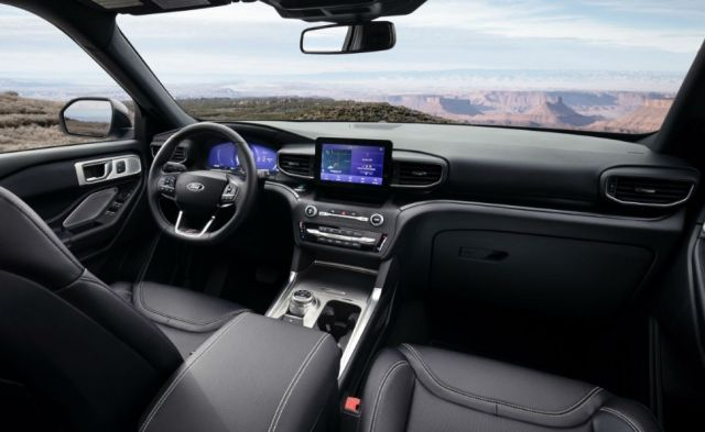 2021 Ford Explorer XLT cabin