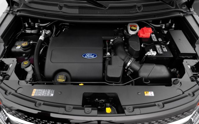 2021 Ford Explorer XLT engine