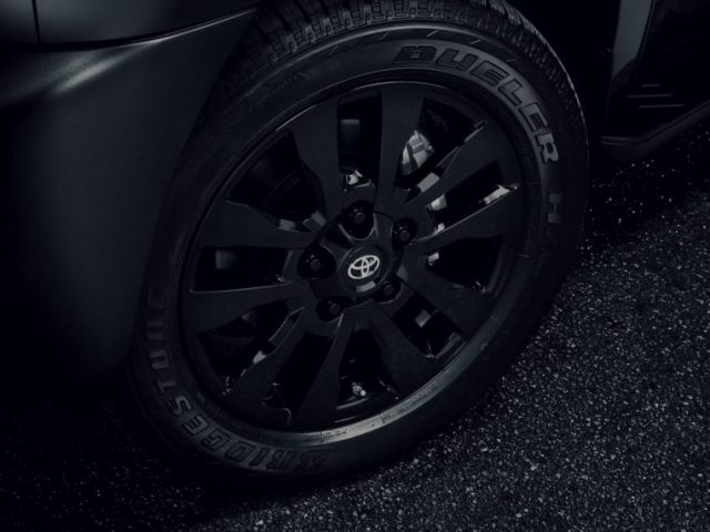 2021 Toyota Sequoia Nightshade wheels