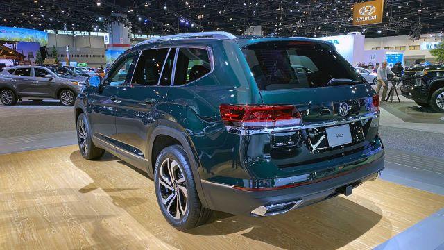 2021 Volkswagen Atlas rear