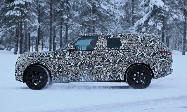 2022 Land Rover Range Rover side