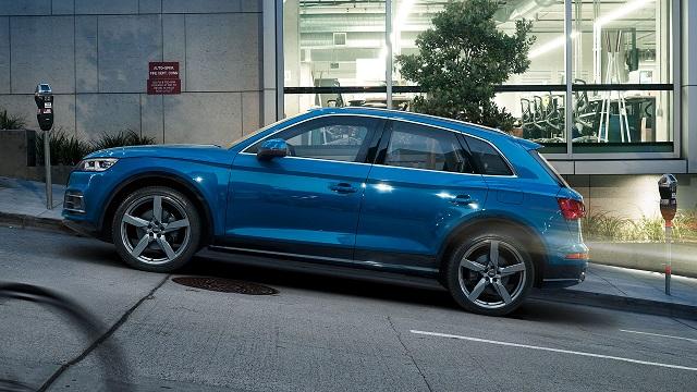 2021 Audi Q5 Sportback side