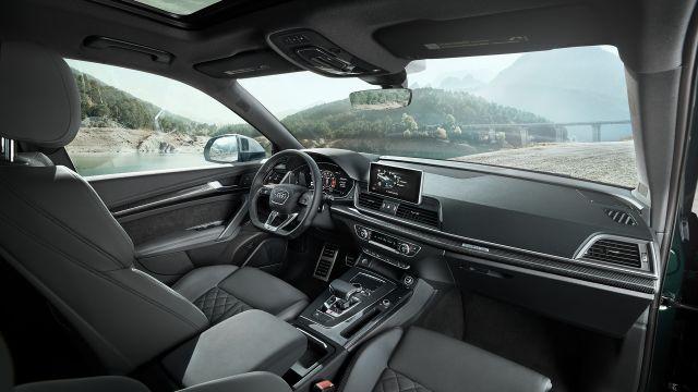 2021 Audi SQ5 cabin