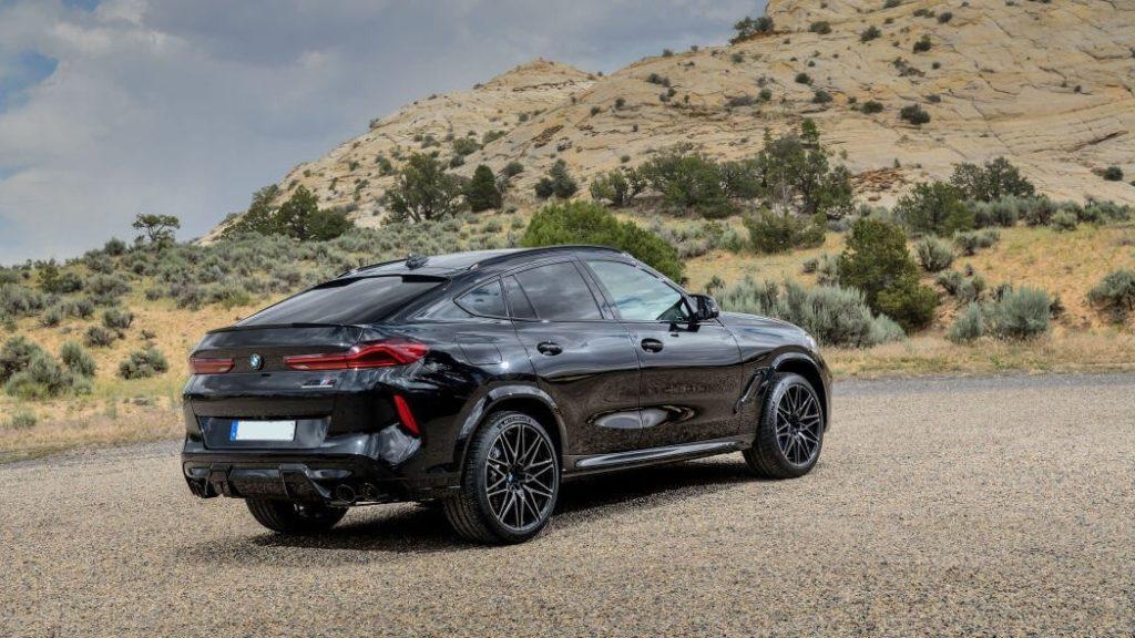 2021 BMW X6 side