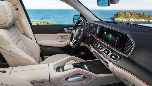 2021 Mercedes-Benz GLS cabin