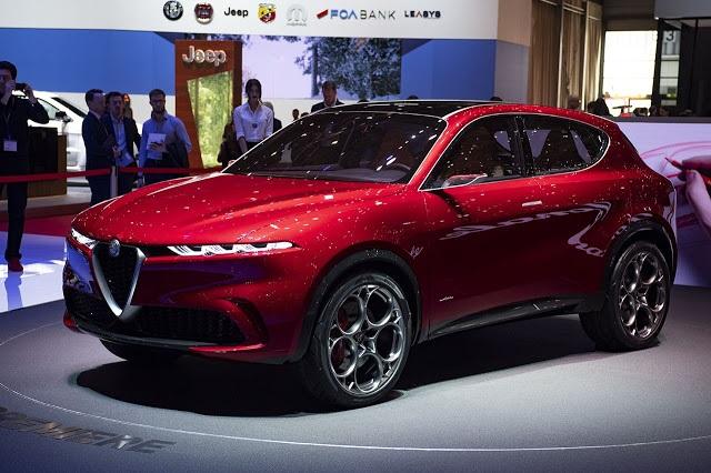 2021 Alfa Romeo Tonale side