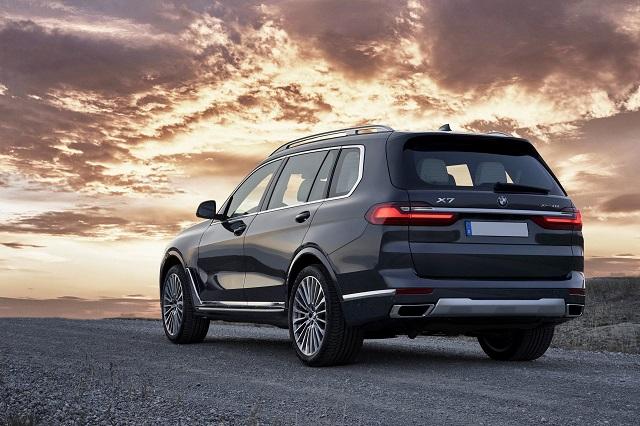 2021 BMW X7 rear