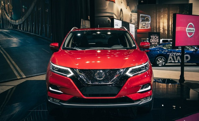 2021 Nissan Rogue Sport front