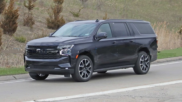 2021 Chevrolet Suburban RST front-side