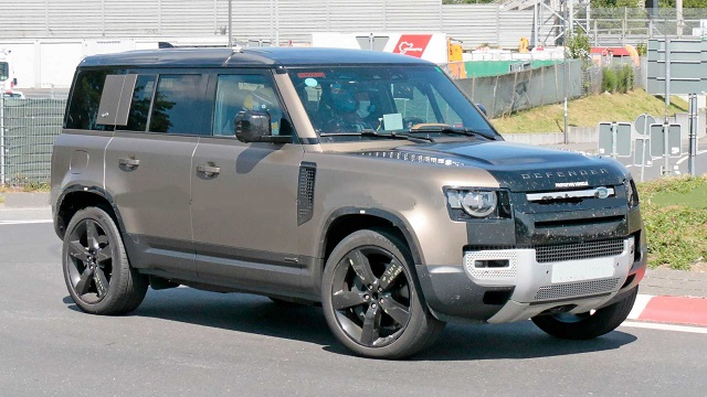2021 Land Rover Defender V8 side