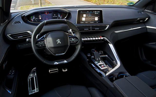 2022 Peugeot 3008 cabin
