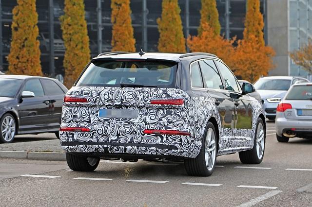 2022 Audi Q7 rear