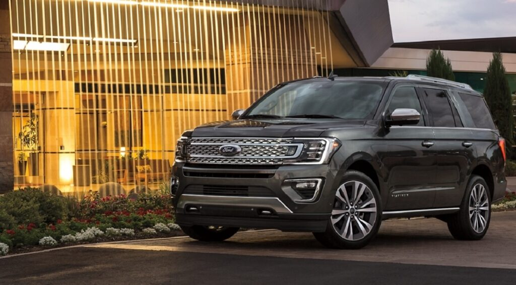 2022 Ford Expedition front