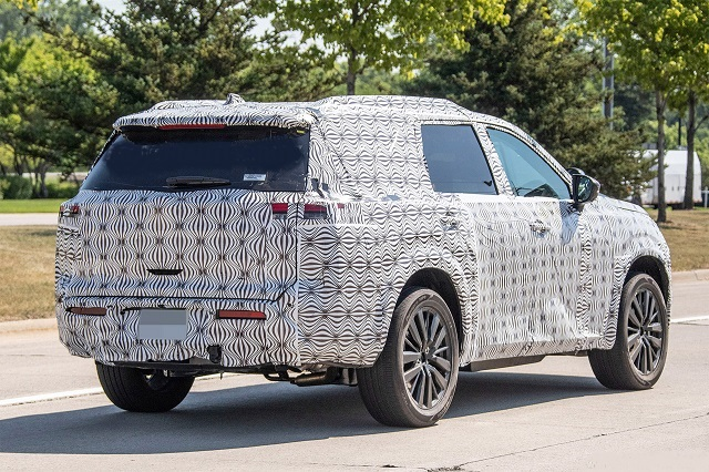 2022 Nissan Pathfinder rear look