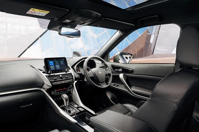 2021 Mitsubishi Eclipse Cross cabin