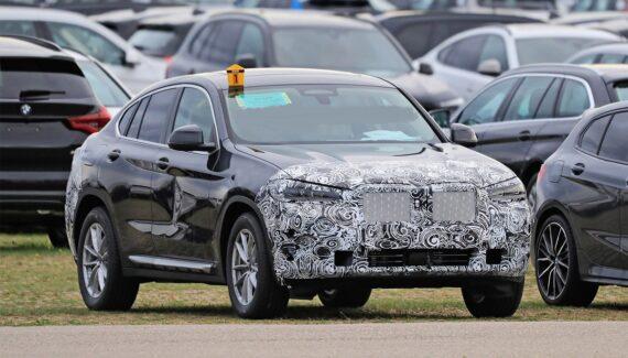 2022 BMW X4 front