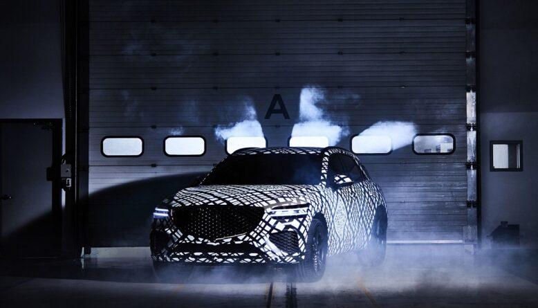 2022 Genesis GV70 front