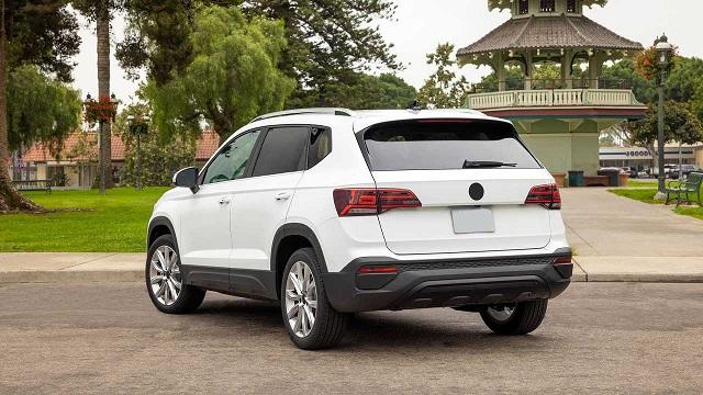 2022 Volkswagen Taos rear