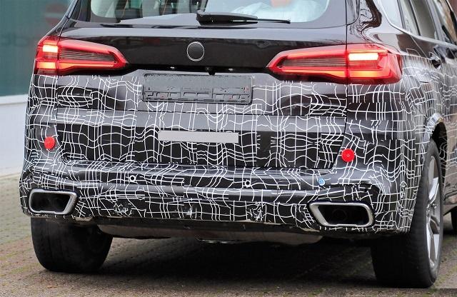 2022 BMW X5 rear look