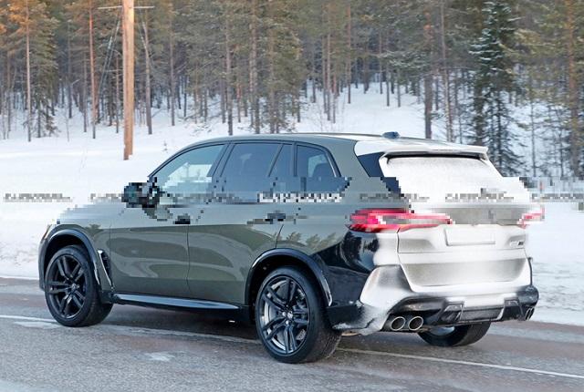 2022 BMW X5 rear