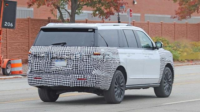 2022 Lincoln Navigator rear