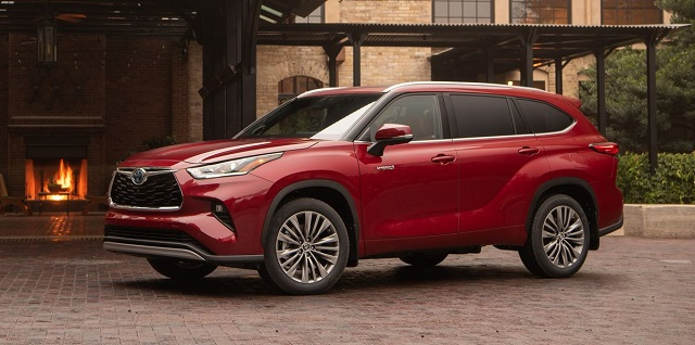 2022 Toyota Highlander side