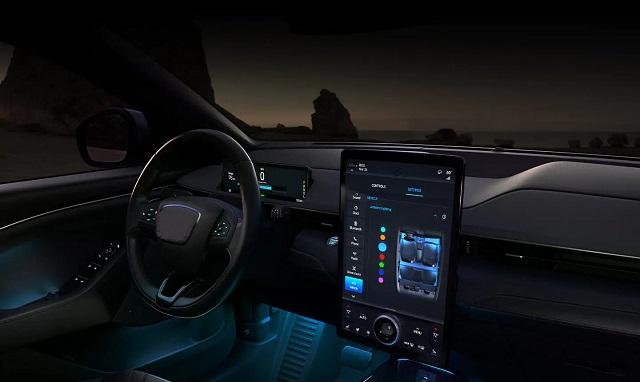 2022 Ford Everest interior