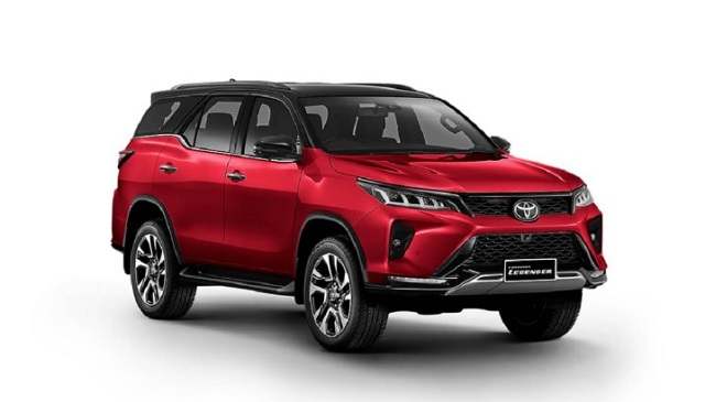 2022 Toyota Fortuner front
