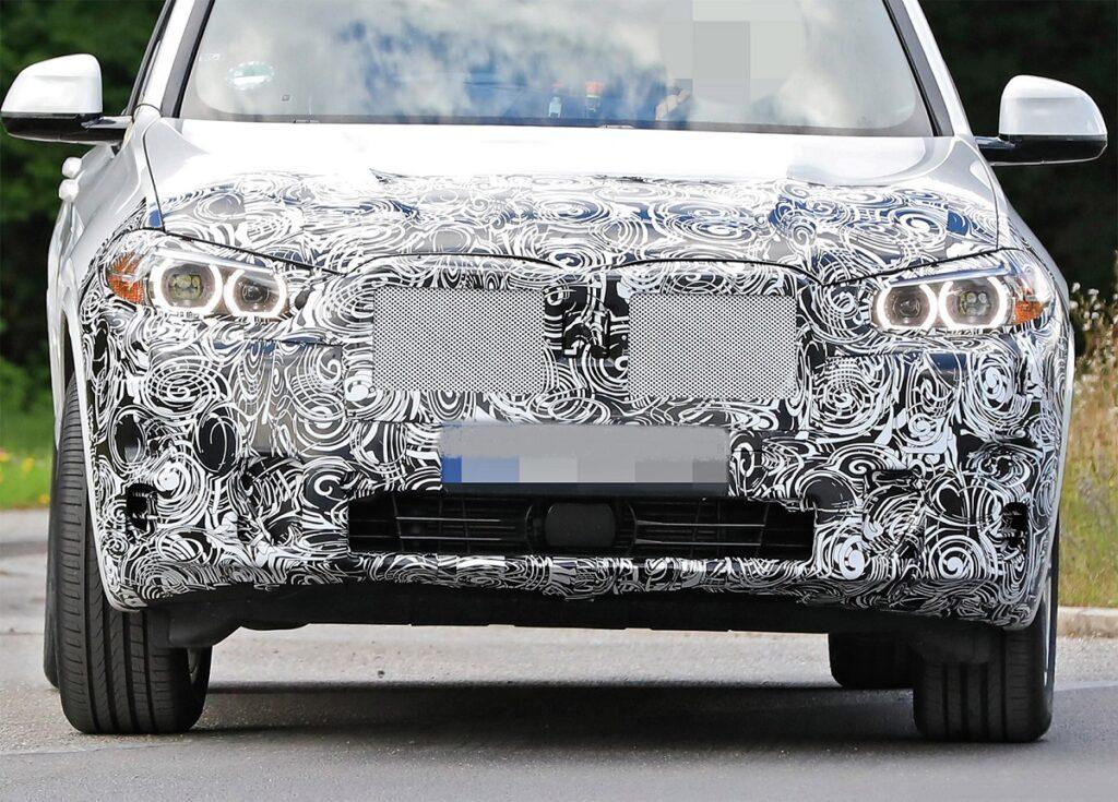 2022 BMW X3 front